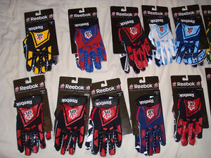 AUTHENTIC CFL FOOTBALL GLOVES - MONTREAL ALOUETTES + MORE West Island Greater Montréal image 8