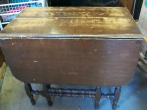 Antique Gate Leg Dining Room Table