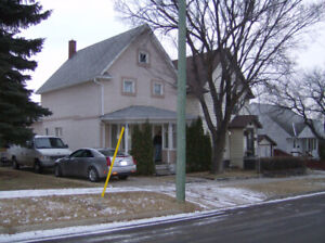 Moose Jaw Avenues Home for sale: Near Schools!