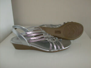 3 Pr Size 6-6.5 Women's Shoes - Rockport, Skechers, Naturalizers