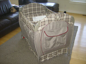 Eddie Bauer child play pen baby travel bed