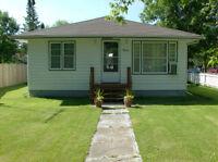 cottage for sale 346 oak wpg. beach