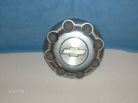 CHEV  TRUCK  CENTER  CAP ,  ( 8 NUTS )