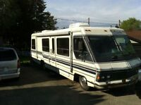 32 Ft. 1985 Triple E Empress Motorhome