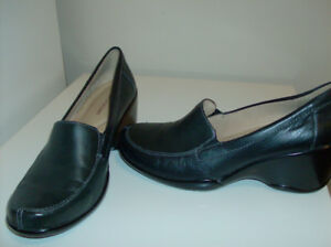 Size 7.5   Fabulous Buy !!    Ladies Naturalizer Shoes
