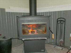 WOOD STOVE & CHIMNEY