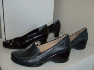 2 Pair Size 7.5 Womens Shoes - Bandolino and Naturalizers