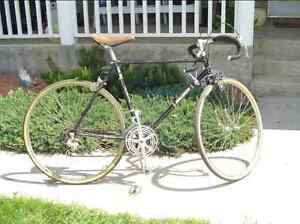 Vintage Raleigh road bike.