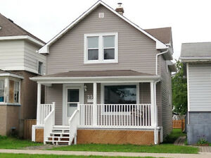 *OPEN HOUSE* Sat July 29, 2:30-4 pm  MOVE-IN READY UPDATED 3 BR