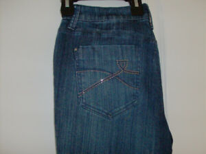 NEW DKNY Denim Jeans - Ladies Soho Skinny Jeans + 3 New Purses
