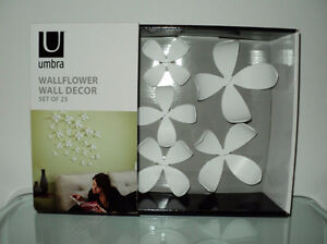 UMBRA WALLFLOWER WALL DECOR SET OF 25 3D PCS DECORATIVE DESIGN Cornwall Ontario image 1