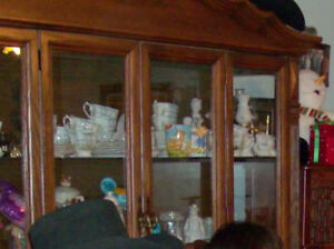 Buffet & hutch for sale in excellent condition