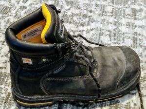 Steel Toe Work Boots Winter. CSA White and Green. Size 9
