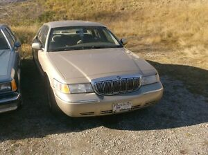2000 Mercury Grand Marquis LS Sedan
