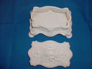 NEW Lovely White Trinket/Jewelry Dish with Lid