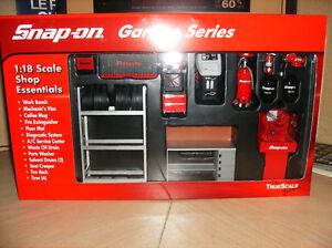 VENDU 1/18 neuf kit d'outils de garage Snap-on True scale