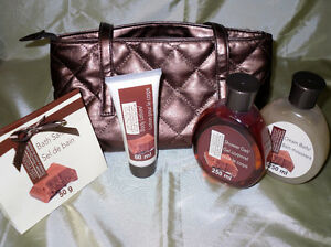 New Bath gift set with Travel Bag