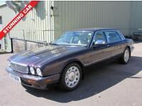 1998 R DAIMLER SOVEREIGN 4.0 SUPER V8 4D LWB AUTO 370 BHP