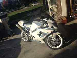 01 gsxr 600 trade for sled or???