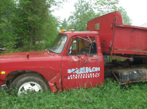 1974 International Harvester 12 foot dump