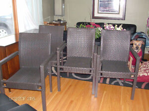 4 Outdoor Wicker Resin Patio Dining Chairs (Brand New)