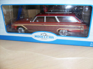 1/18 DIECAST NEUF NIB. Ford Country Squire