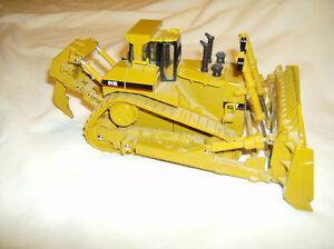 Collector scale model Caterpillar replica