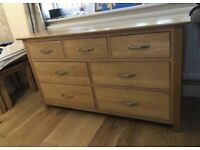 Solid oak best made chest of drawers/dresser from Devonshire Furniture great quality and condition