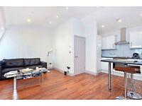 1 bedroom flat in Weymouth Mews, London, W1G 7DX