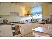 3 bedroom flat in Clarence Gardens, Euston NW1
