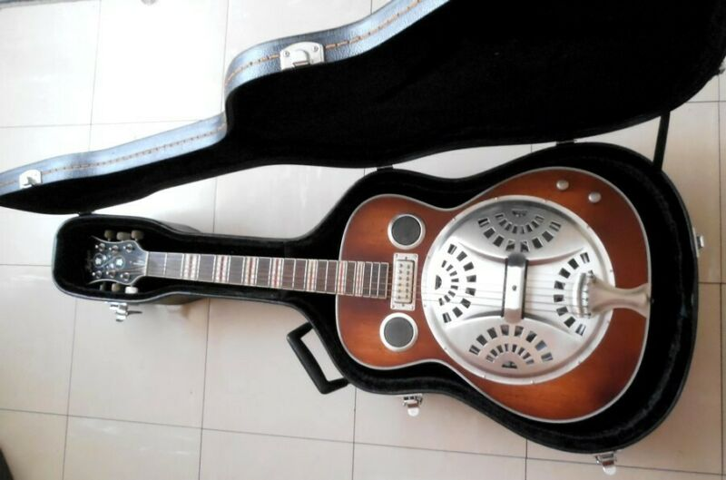 Hofner Resonator guitar