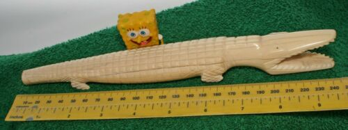 Carved Alligator, 9-inches Long. Nice
