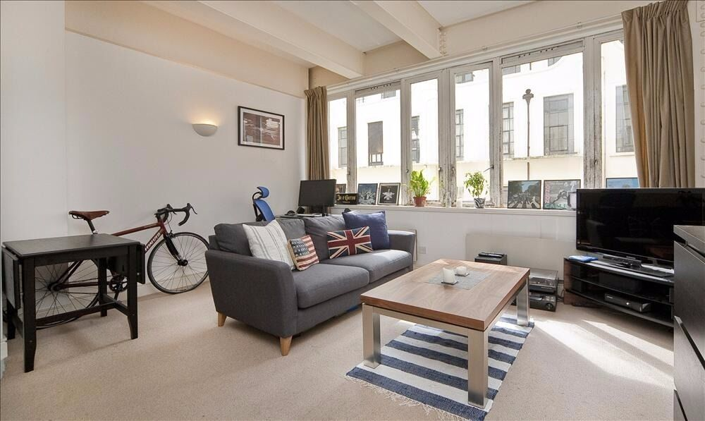 FABULOUS 1 DOUBLE BEDROOM APARTMENT SET IN AN EXCEPTIONAL BUILDING- PORTER, GYM & COMMUNAL GARDENS