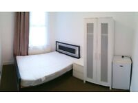 The BEST PRICED double room Edmonton Green Station, zone 4