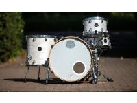 Mapex Saturn V Tour Drum Kit Shell Pack in Marine White Pearl. Immaculate & as new.