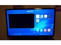"32"" Luxor Smart TV/DVD."