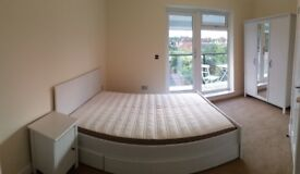 CANARY WHAF!!! cozy doublebedroom with balcony! must see, hurry up! 5 minutes to the station