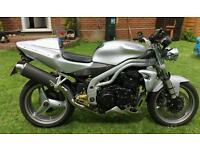 Triumph speed triple 955i with 3000 worth of extras