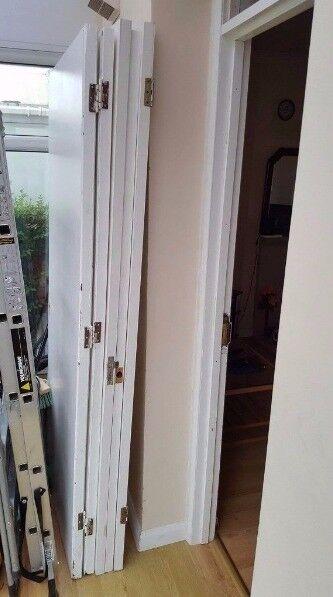 5 white doors(no handles)