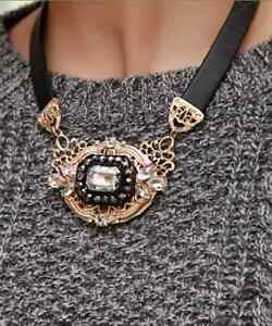 Baroque filagree chunky crystal rhinestone gold tone belt collar choker necklace