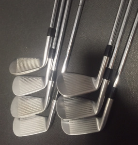 Titleist 712 Forged MB Irons Right Handed Stiff Flex