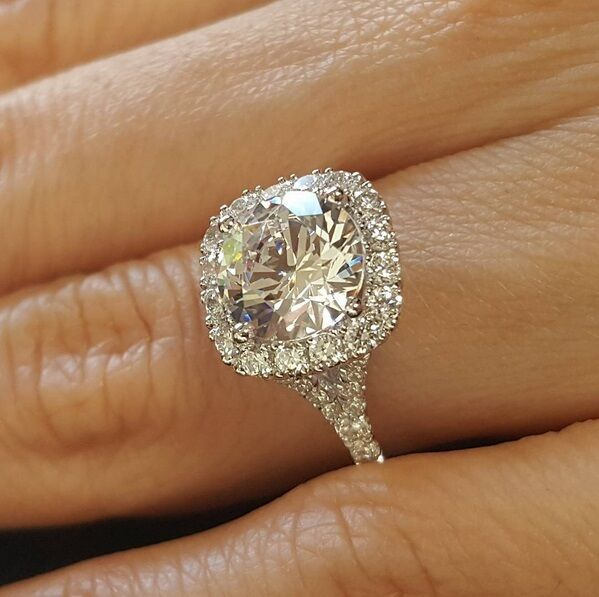 1.50ct Natural Round Halo Pave Split Shank Diamond Engagement Ring - GIA