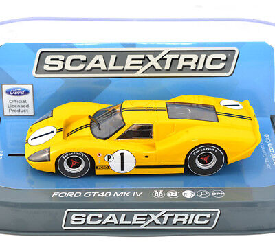 Scalextric C3859 Ford GT40 MKIV 1967 Sebring Winner Slot Car 1/32