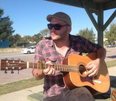 Free Guitar Lesson in Byford!
