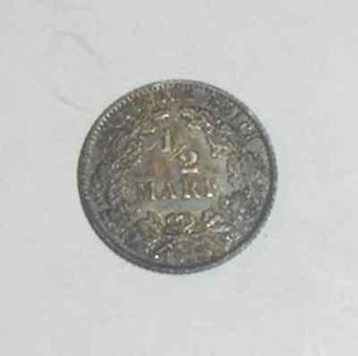 Münze  1 1/2 Mark Deutsches Reich von 1918 -in Silber Durchmesser= 20mm