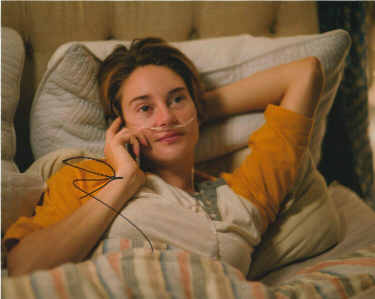 Shailene Woodley Fault in Our Stars Autographed Signed 8x10 Photo COA