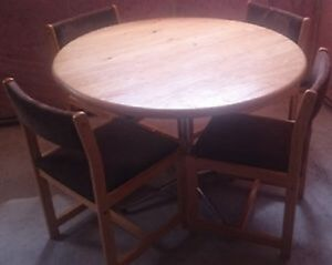 Dining table with 4 chairs included