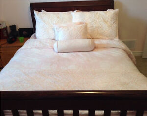 Pottery Barn Kids Eliza bedding  size Full London Ontario image 2