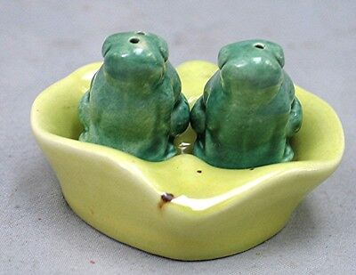 Vintage 2 Frogs on Lily Pad Salt and Pepper Shakers