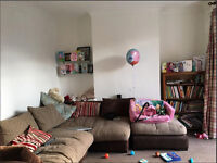 2 Bedroom Ground Floor Flat with Garden in Whitney Ave Ilford IG4 5PN ===Part DSS Welcome===